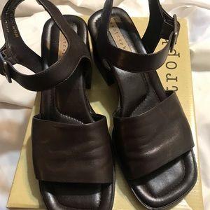 BNIB Apostrophe Leather Sandals Shoes